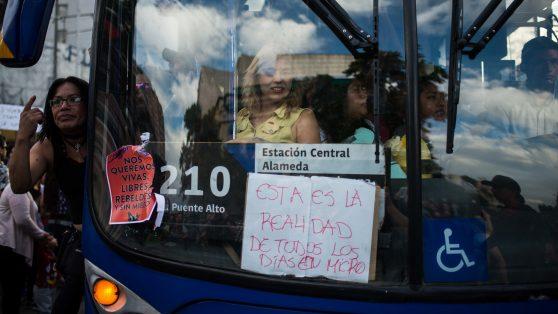 """Chile en crisis: desigualdades reveladas y la oportunidad de """"resetear"""""""