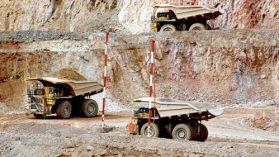 """La ruta de los US$534 millones de Glencore Chile enviados como """"préstamo"""" a Bermudas"""