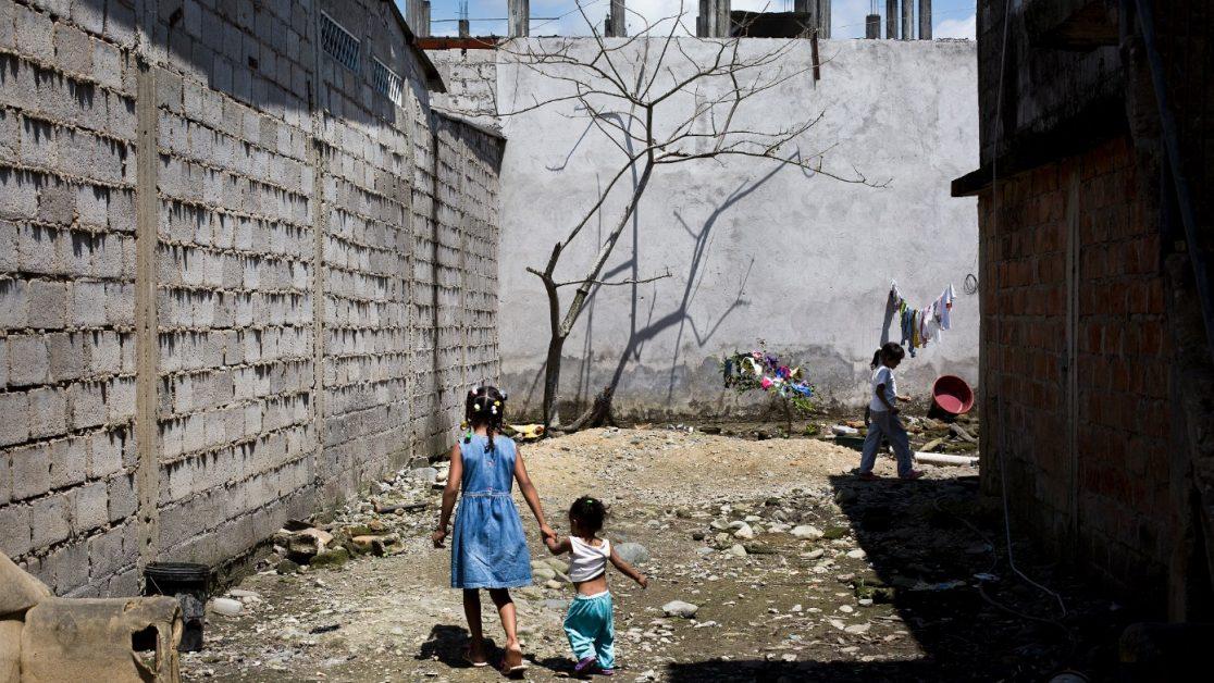 Familias desplazadas de El Pan, después de conflicto en la zona, viven hacinadas en una casa de San Lorenzo. Foto: Edu León/ Periodistas Sin Cadenas.