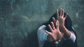 Violencia contra la mujer en la cuarentena: denuncias bajaron 9,6% y llamadas de auxilio aumentaron 43,8%