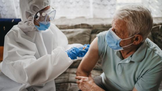 Temor frente a la vacunación por COVID en Chile: cómo se justifica y cómo superarlo