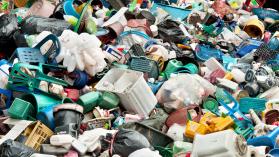 Plástico ¿por qué no podemos deshacernos de él, pero tenemos que hacerlo?