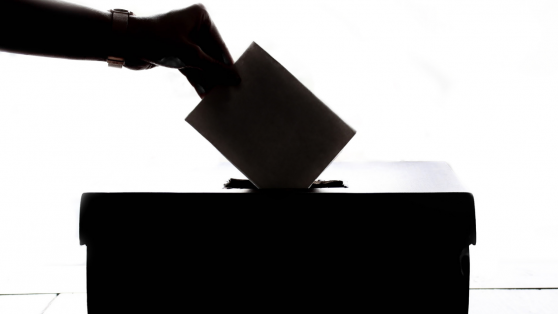 Platas para campañas: 25 candidatos y un partido no transparentan los avales de los préstamos bancarios que pidieron
