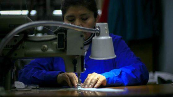Suspensión de encuestas ENUT y EANNA: la política pública decide no ver la sobrecarga del trabajo de las mujeres