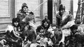 Fueguinos y patagones en zoológicos humanos: el exterminio como espectáculo
