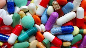 Abriendo las cajas negras en las millonarias compras de medicamentos que hace el Estado