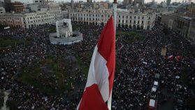 Crisis política en Perú IV: Las tribus y la calle