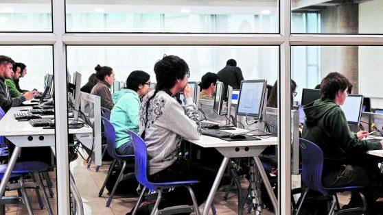 Cómo construir confianza en un sistema de educación superior todavía golpeado por los desastres del 2000