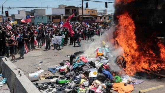 Quemar al Otro: el día en que Iquique ardió