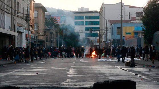 18/O – 2 años: la «tercera fase» del largo proceso de destrucción de Valparaíso