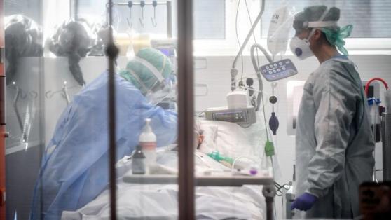 """Funcionarios de la salud discriminados por sus vecinos: """"También tenemos miedo de enfermarnos"""""""