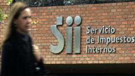 Bajos impuestos y alta evasión: la receta chilena para el subdesarrollo