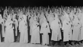 ¿Quién apoya a los supremacistas blancos? Cómo la academia y la política alimentan el racismo y ocultan sus consecuencias