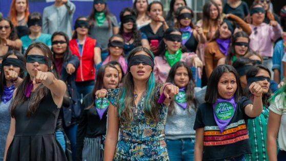 Tras la guerra y la violencia, Colombia reclama derechos e igualdad