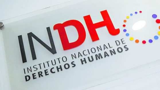Encuesta del INDH muestra que ciudadanos confían más en Carabineros que en ese instituto