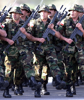 Montepíos: El pozo sin fondo de la familia militar