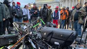 La insurrección en el Capitolio desafió la forma en que los medios de EE.UU. presentan los disturbios y dan forma a la opinión pública