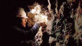 Otra guerra en Colombia: Represión militar beneficia a mineras que extraen oro