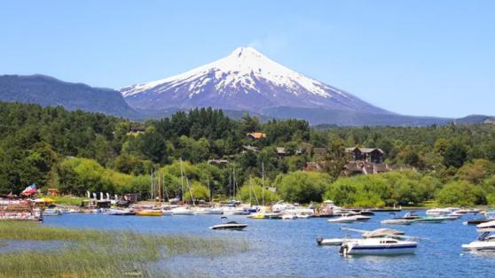 Pucón: Contraloría detecta 273 casas en el borde del lago Villarrica que no pagan contribuciones por uso residencial